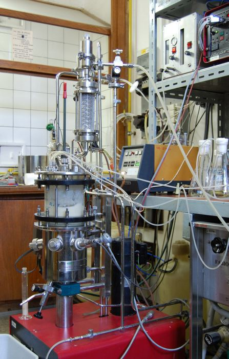 NewMBR bioreactor (newMBR, Swiss) with active volume 7 l
